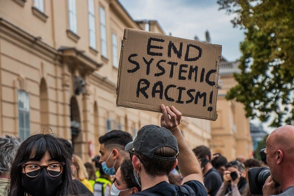 halte-au-racisme